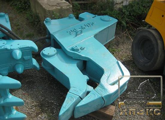 Экскаватор на колесном ходу  Kobelco SK100W - ЯпЭкс - Реализация Японской спецтехники на российском рынке. Покупка с аукционов Японии под Ваш заказ.