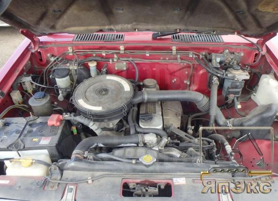Nissan Datsun бордовый - ЯпЭкс - Реализация Японской спецтехники на российском рынке. Покупка с аукционов Японии под Ваш заказ.